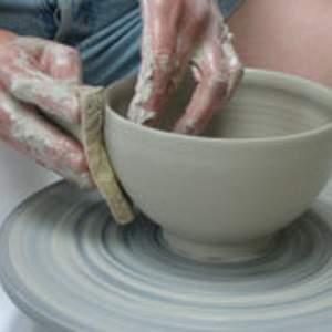Cours de poterie au tour et de modelage en alsace
